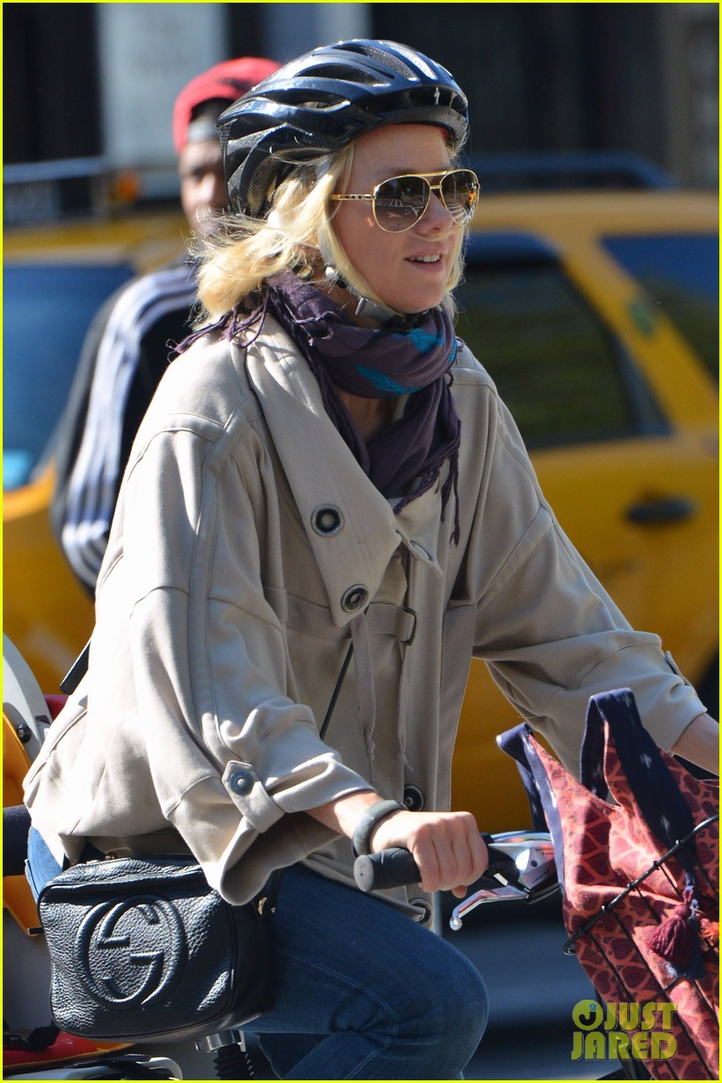 naomi watts while were young star 072863019