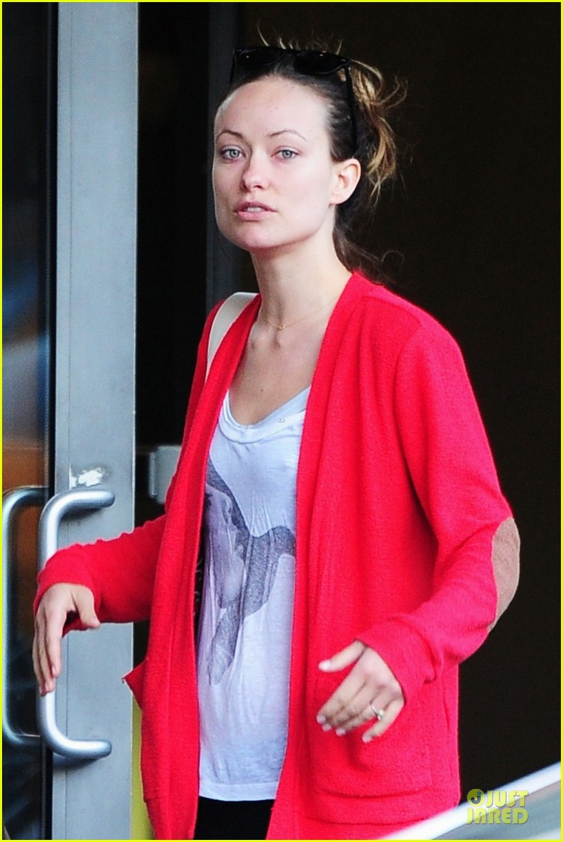 olivia wilde come hang out with emma stone 04