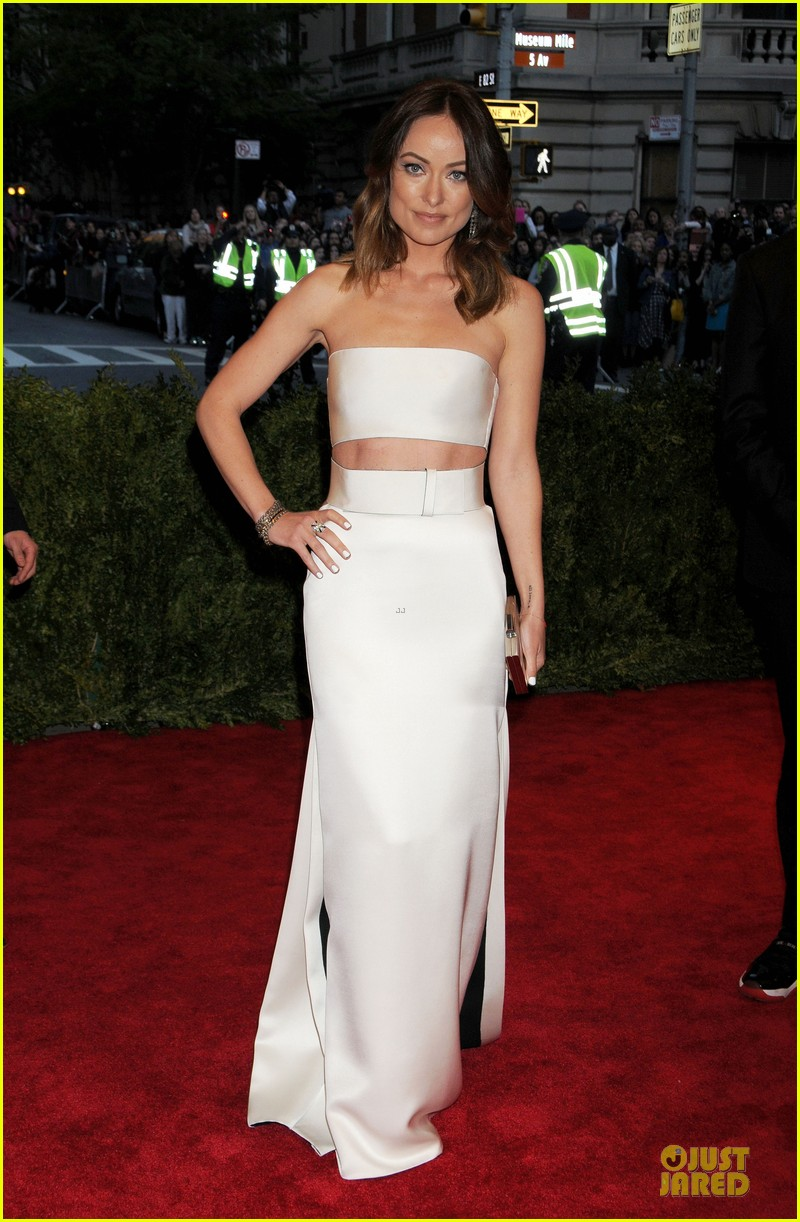 olivia wilde jason sudeikis met ball 2013 red carpet 07