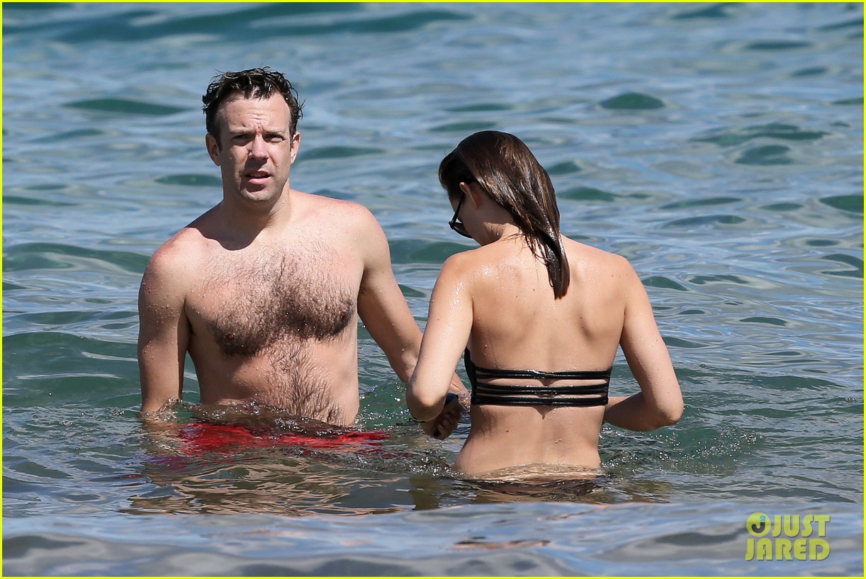 olivia wilde bikini vacation with shirtless jason sudeikis continues 13