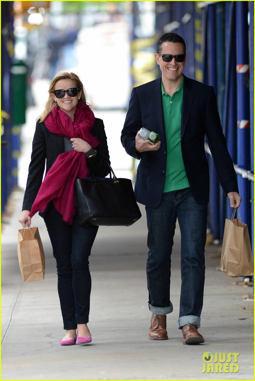 reese witherspoon jim toth breakfast smiles 122871136