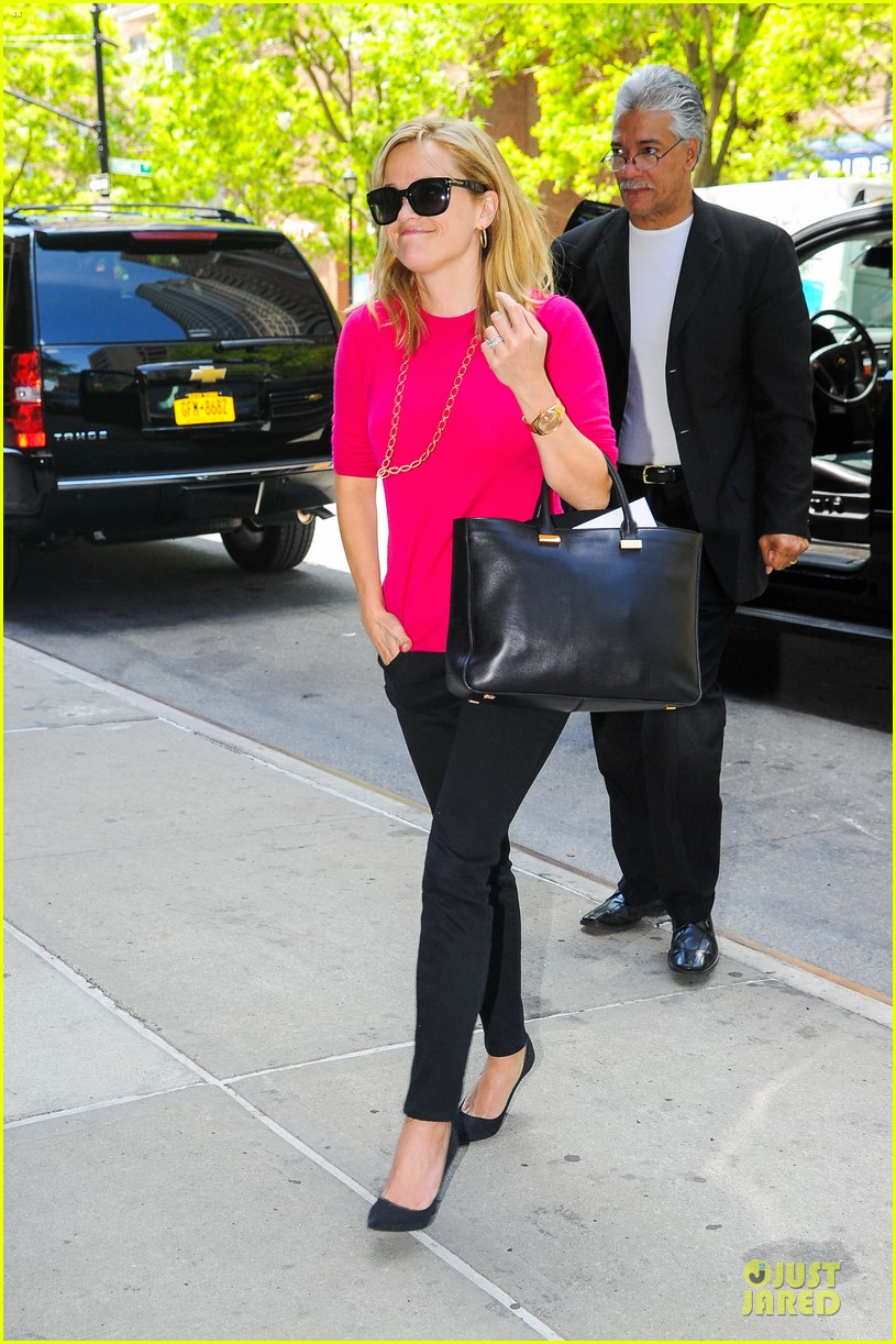 reese witherspoon jim toth big apple shopping couple 032870268