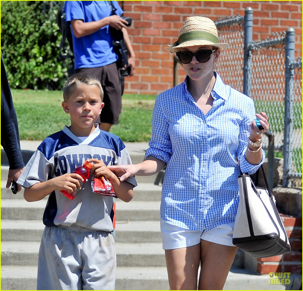 reese witherspoon jim toth first soccer game since arrest 022868443