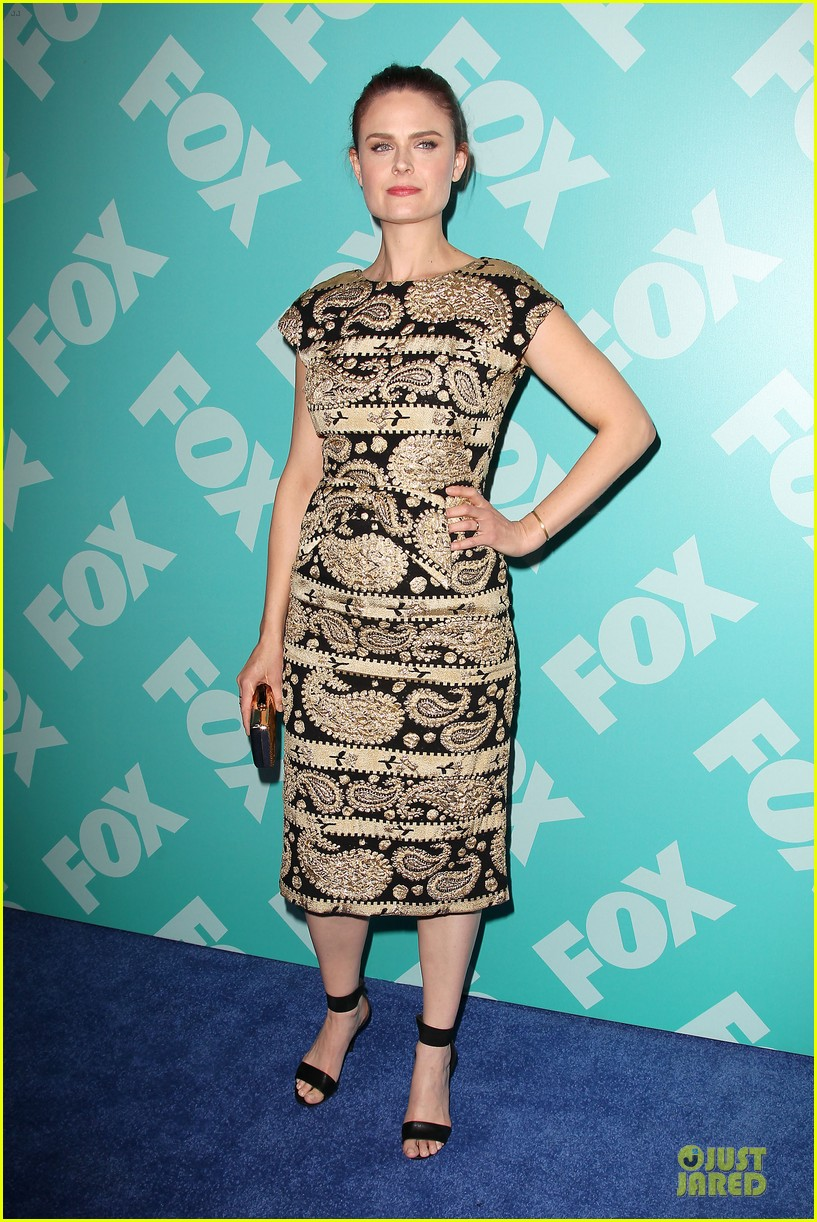 zooey emily deschanel fox upfront presentation sisters 09