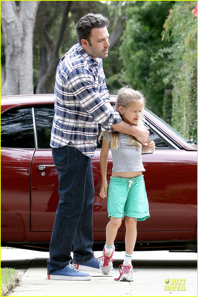 ben affleck loving dad while jennifer garner is away 302889561