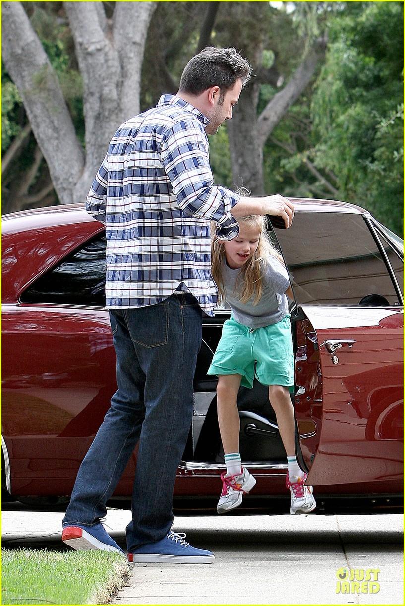 ben affleck loving dad while jennifer garner is away 312889562