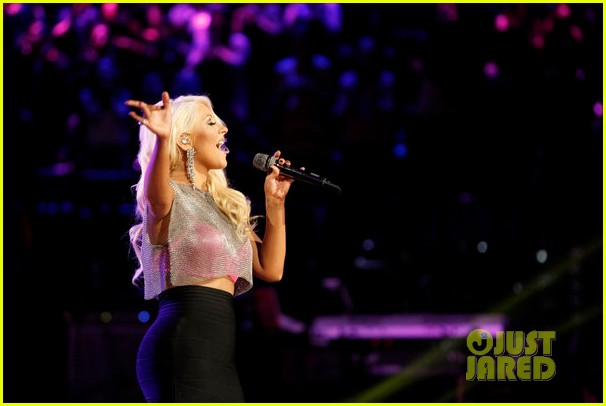 christina aguilera pitbull the voice finale performance video 02