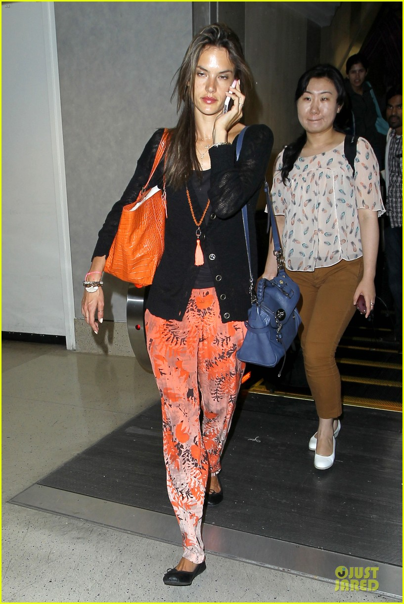 alessandra ambrosio lax arrival after secret project in nyc 08