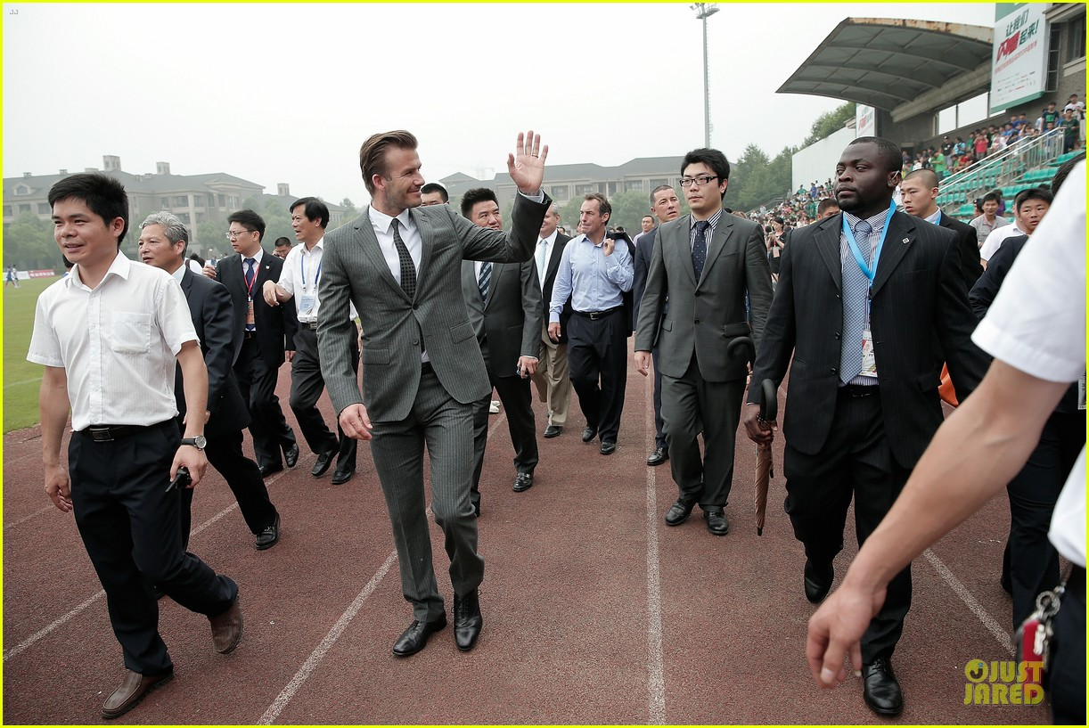 david beckham visits hangzhou greentown club victoria shops 01