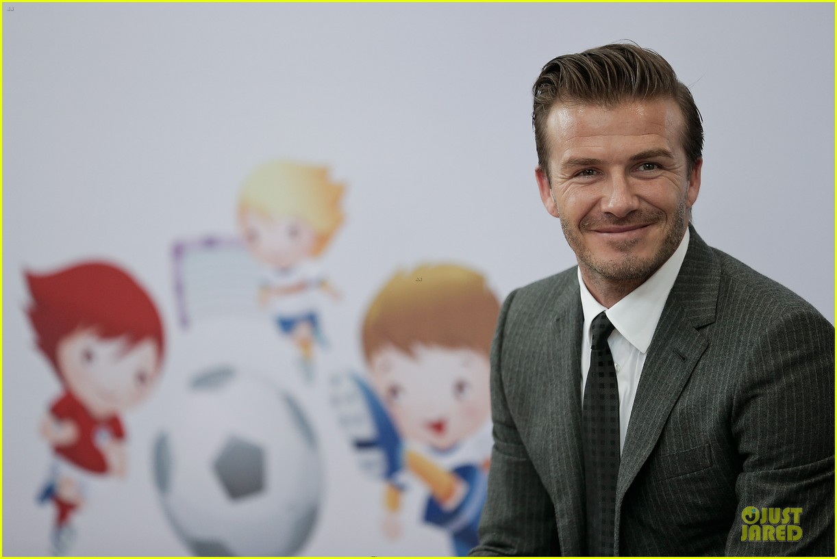david beckham visits hangzhou greentown club victoria shops 06