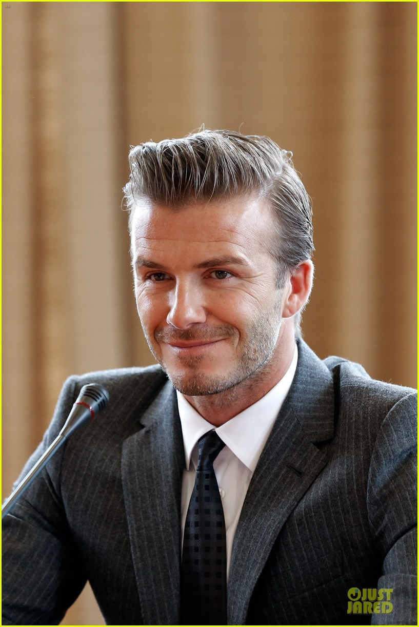 david beckham visits hangzhou greentown club victoria shops 13
