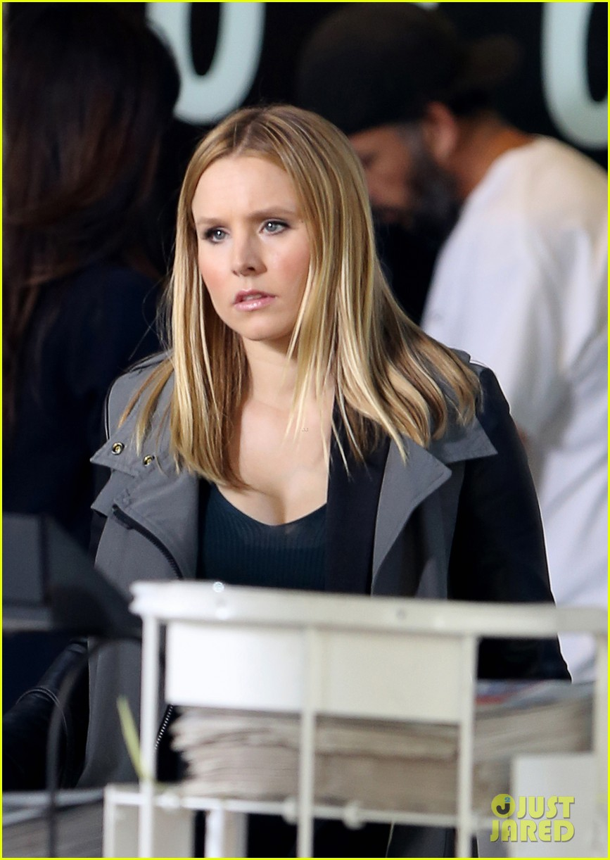 kristen bell propses to dax sherpard after doma ruling 022899361