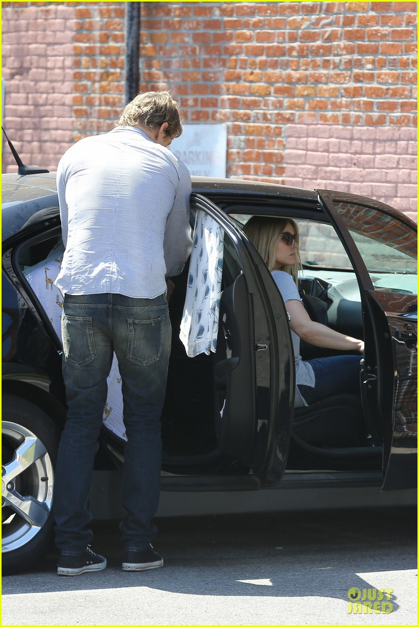 kristen bell dax shepard first fathers day sushi outing 042893025