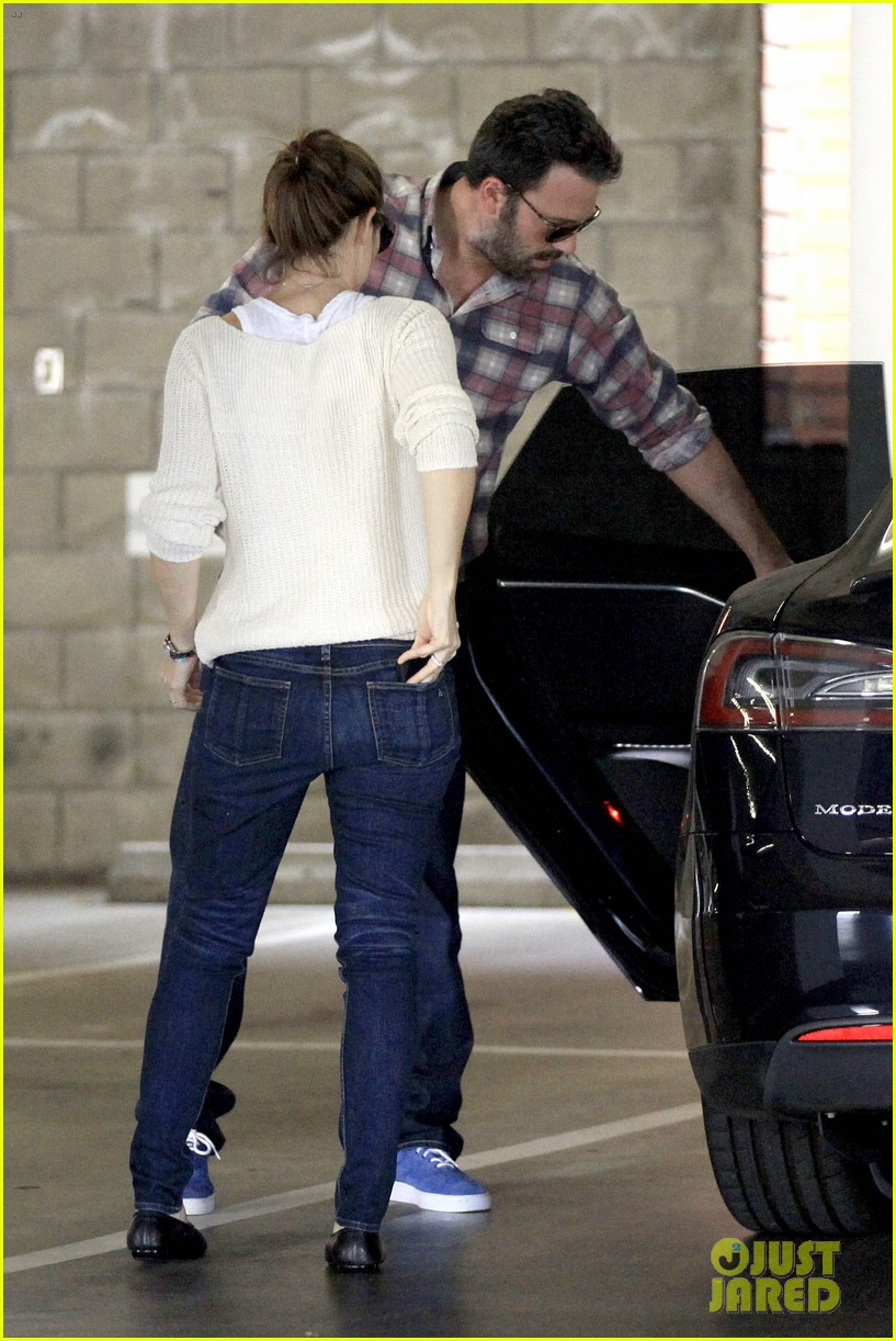 ben affleck jennifer garner sunday dinner with bens mom 152883087