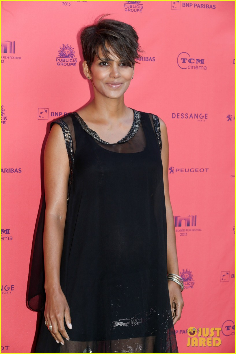 halle berry olivier martinez toiles enchantees champs elysees event 01
