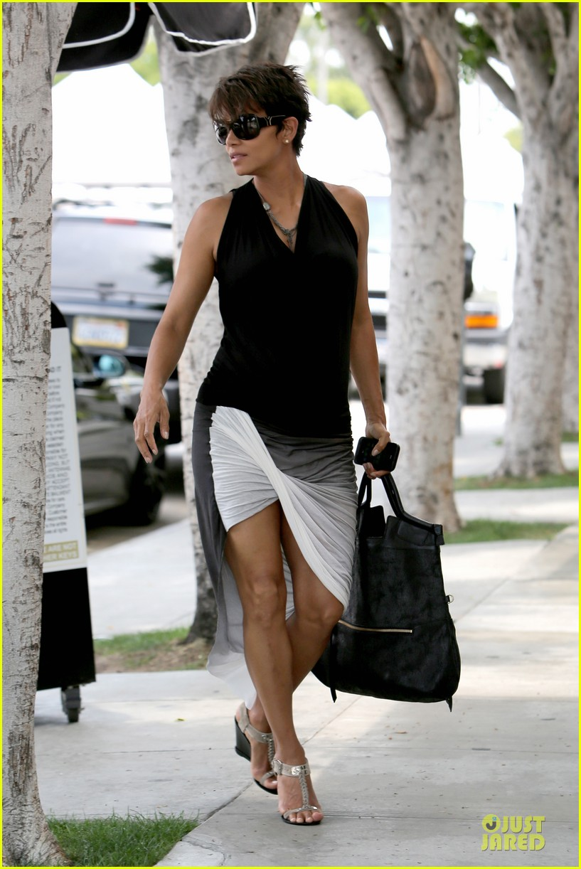 halle berry twisted legs at fig olive 072901362