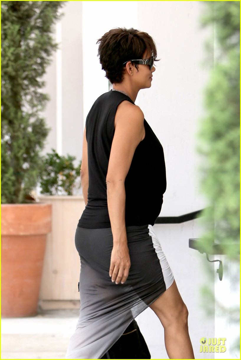 halle berry twisted legs at fig olive 10