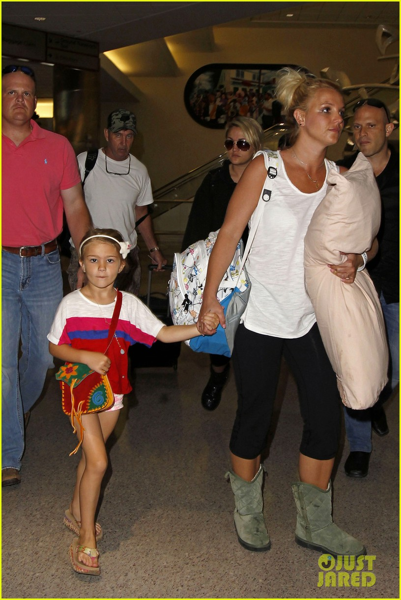 britney spears leaves new orleans with sister jamie lynn 012882981