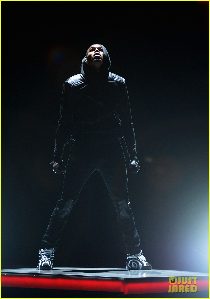 chris brown nicki minaj bet awards performance video 11
