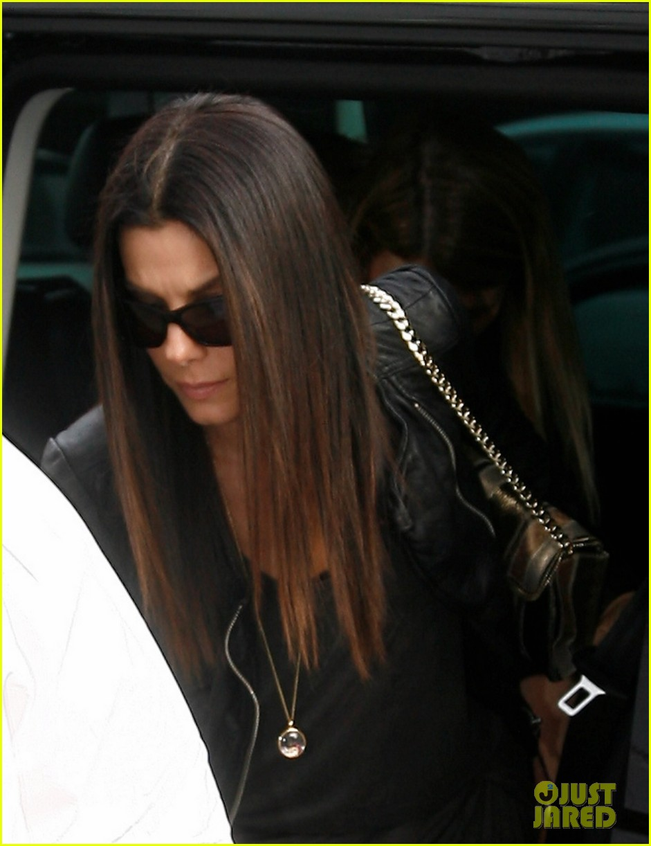 sandra bullock arrives in berlin with louis 122893021