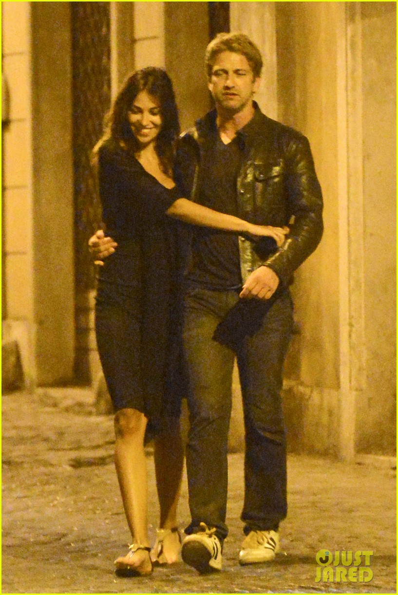 gerard butler rome night out with madalena ghenea 01