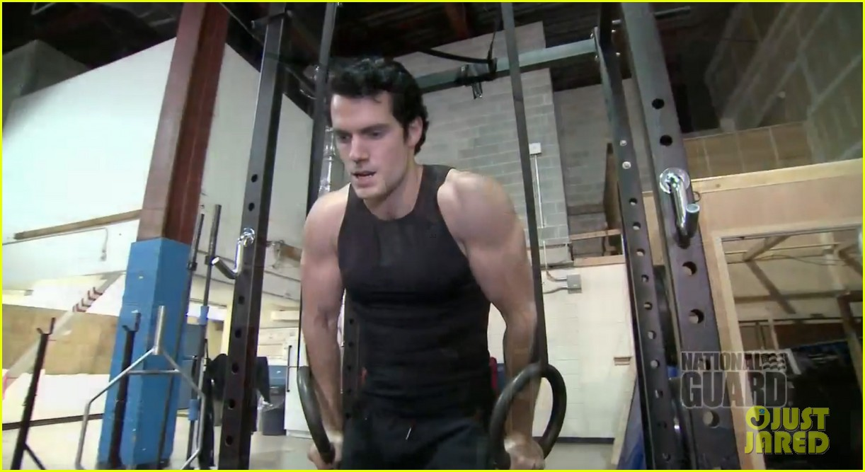 henry cavill shirtless man of steel workout video 082892920