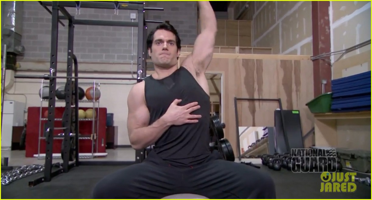 henry cavill shirtless man of steel workout video 092892921