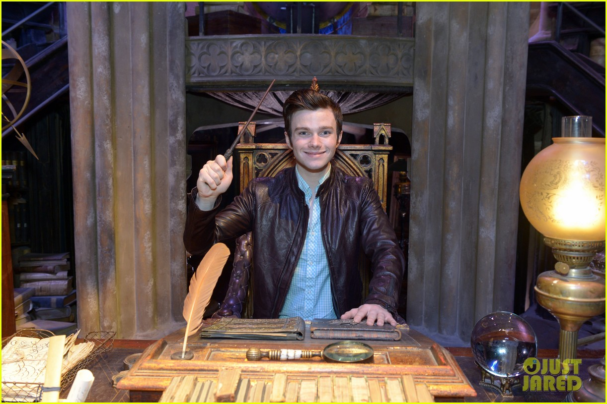 chris colfer harry potter studio tour in london 20