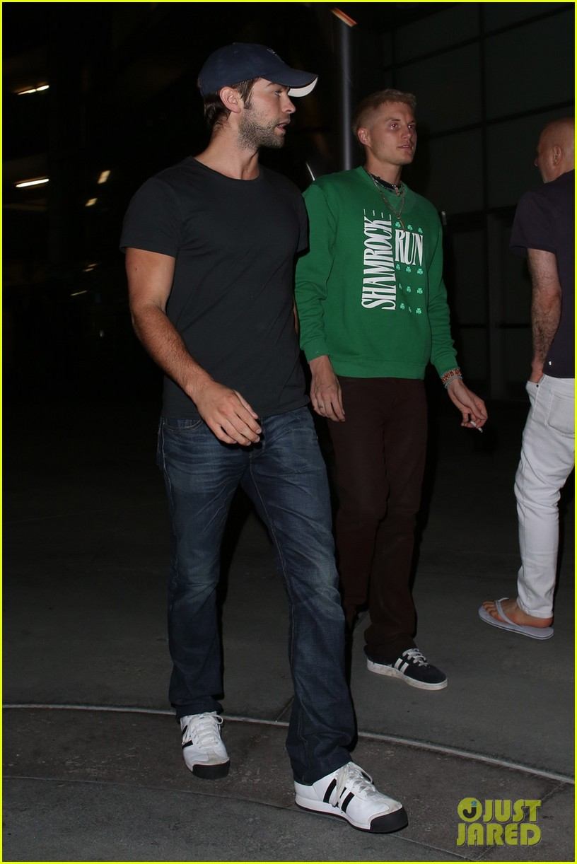 chace crawford arclight movie outing 05