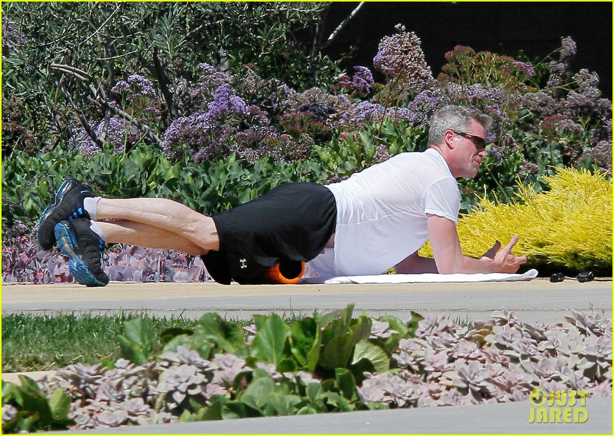 eric dane shirtless workout at coldwater canyon park 06