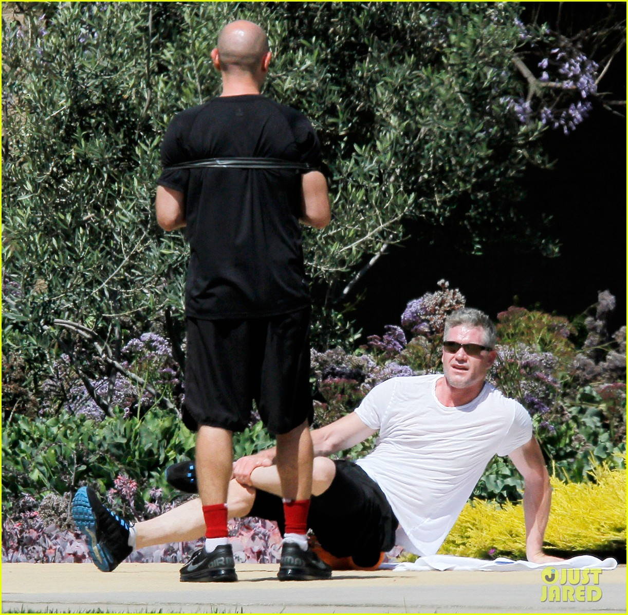 eric dane shirtless workout at coldwater canyon park 082895358