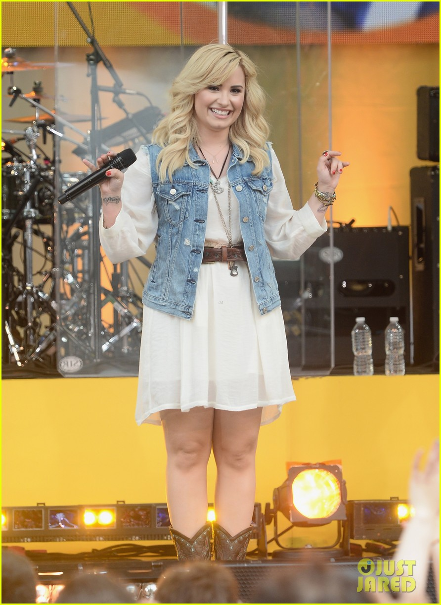 demi lovato good morning america summer concert performer 09