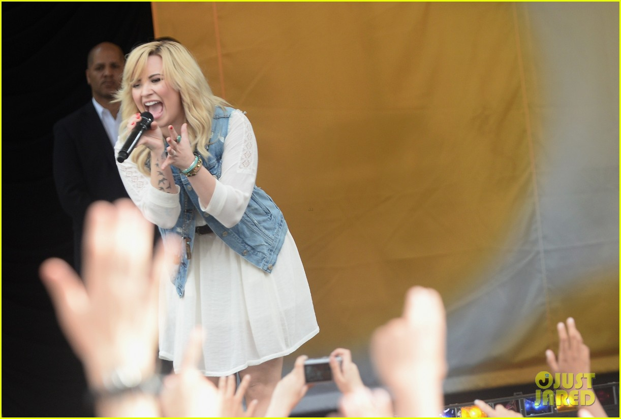 demi lovato good morning america summer concert performer 13