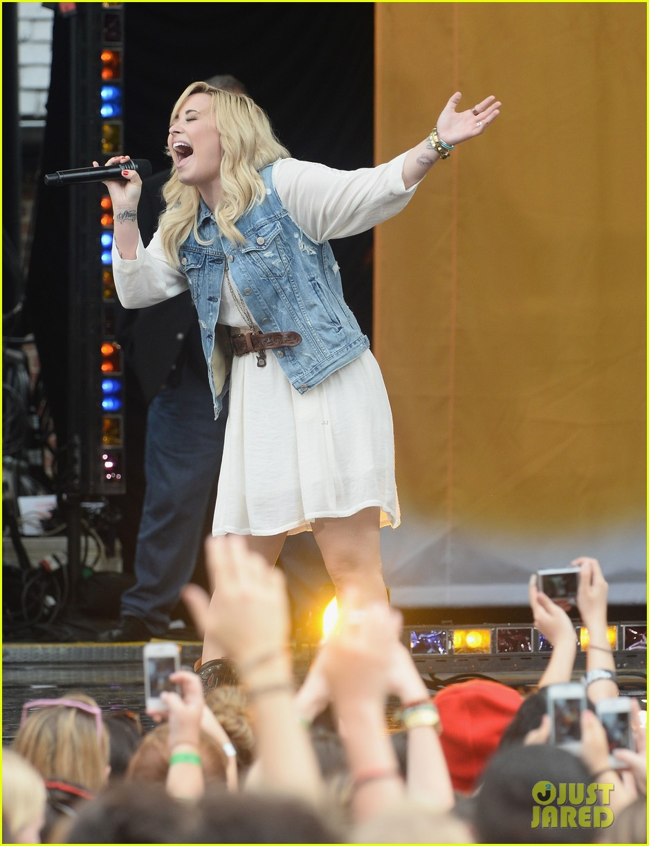 demi lovato good morning america summer concert performer 24