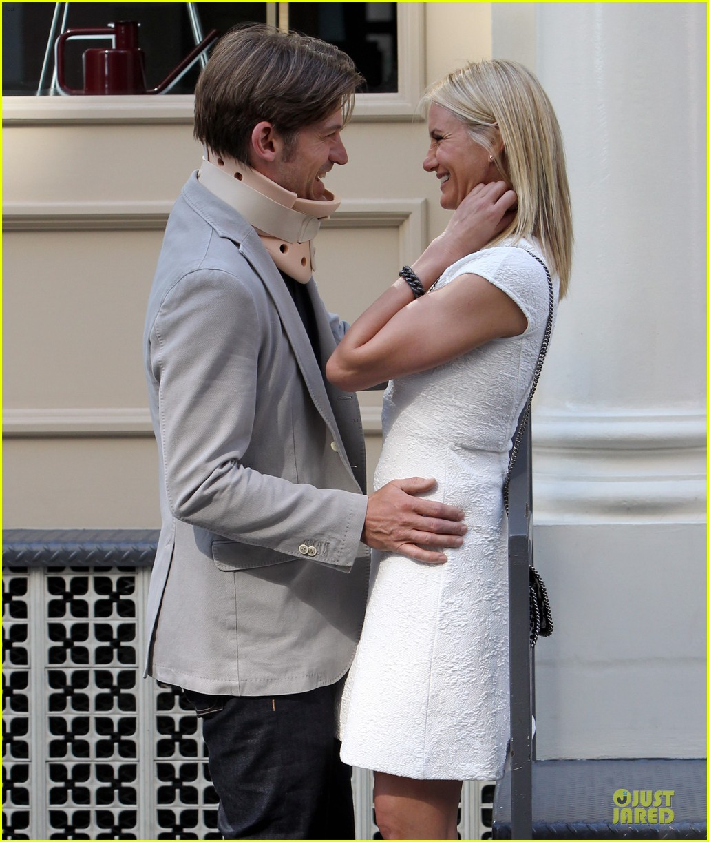 cameron diaz nikolaj coster waldau neck brace on other woman set 02