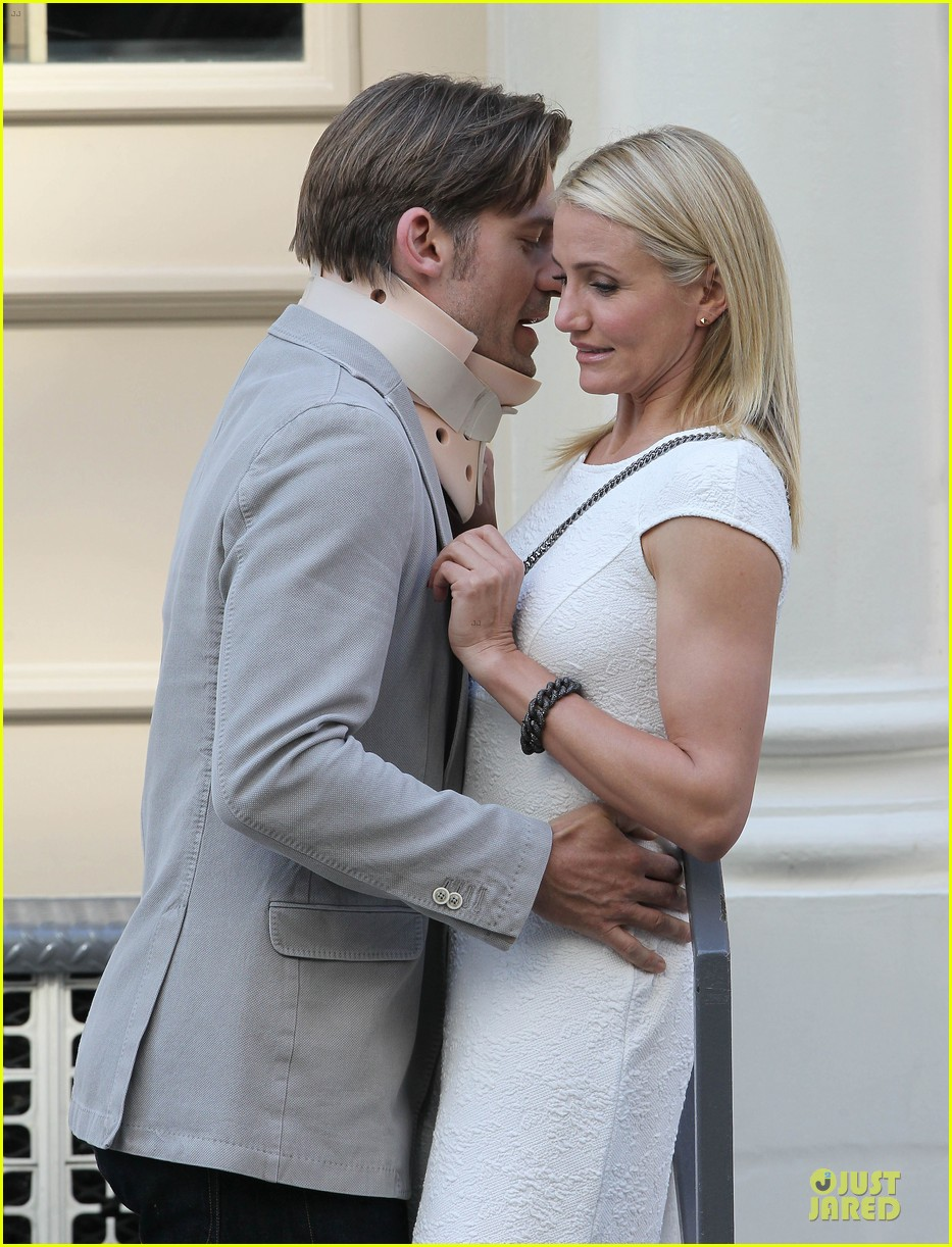 cameron diaz nikolaj coster waldau neck brace on other woman set 10