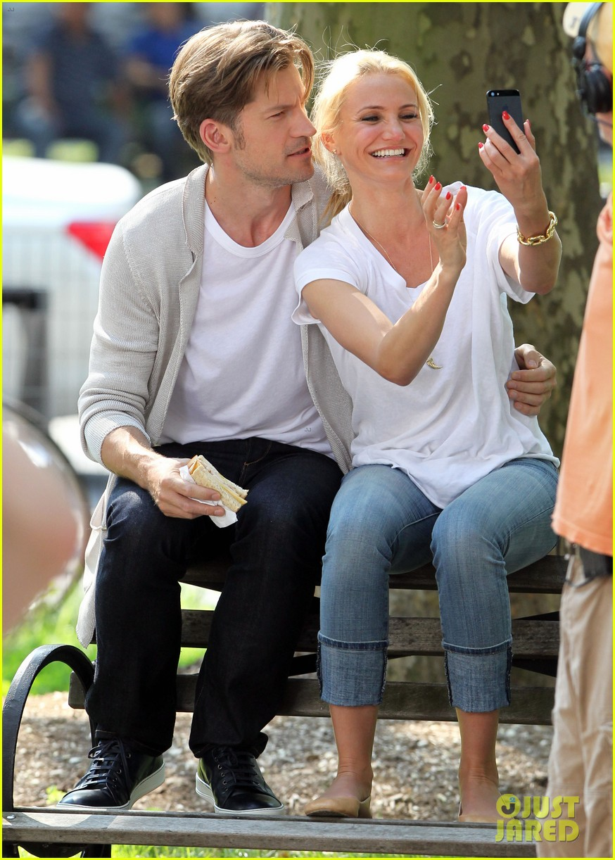 cameron diaz nikolaj coster waldau lock lips on set 10