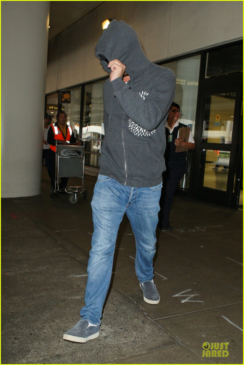 leonardo dicaprio lax landing after french open 072890279