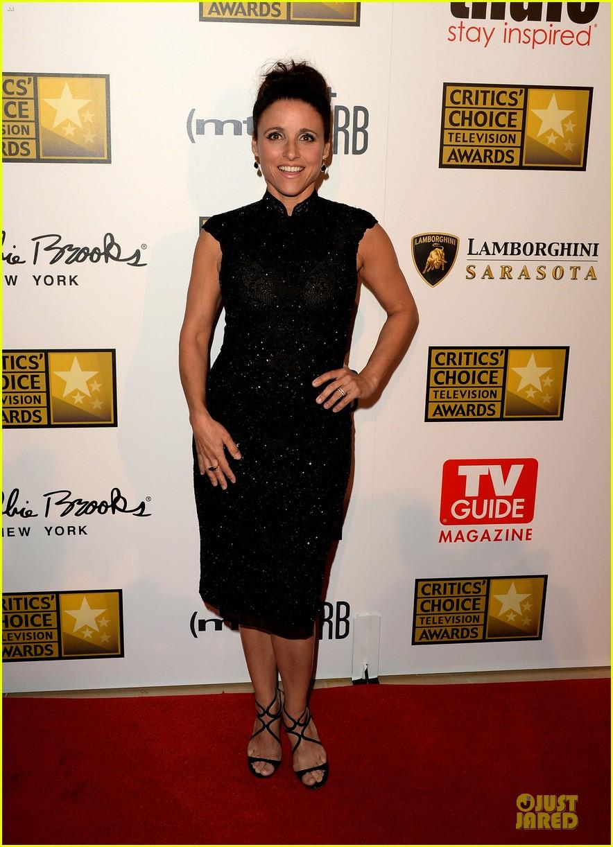 julia louis dreyfus malin akerman critics choice television awards 2013 red carpet 01