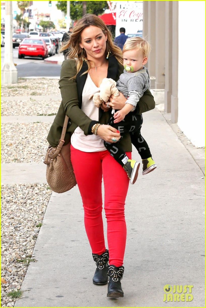 hilary duff daily outings with luca 03