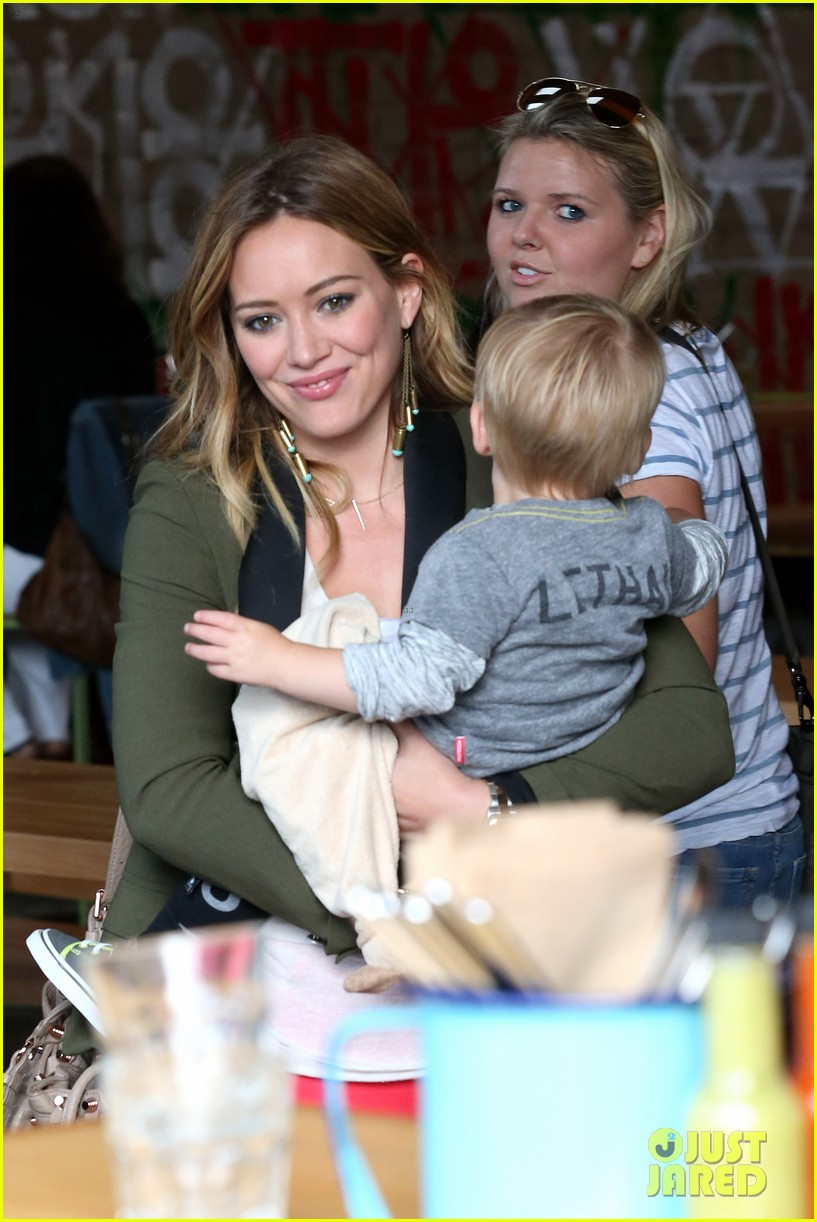 hilary duff daily outings with luca 29