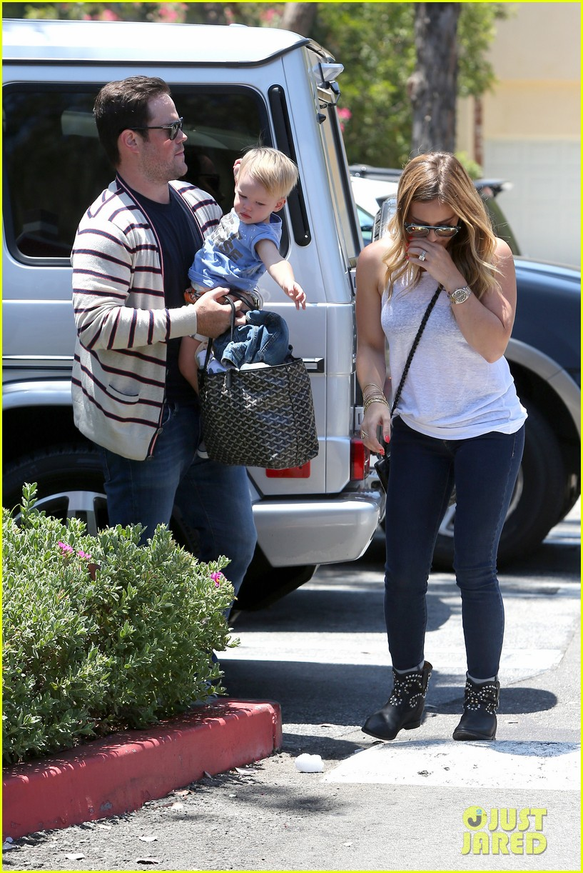 hilary duff fathers day weekend mike comrie baby luca 15