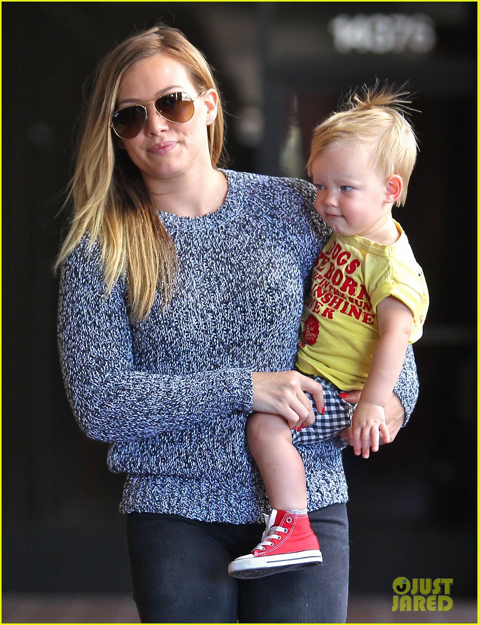 hilary duff mourns loss of dog lola 04