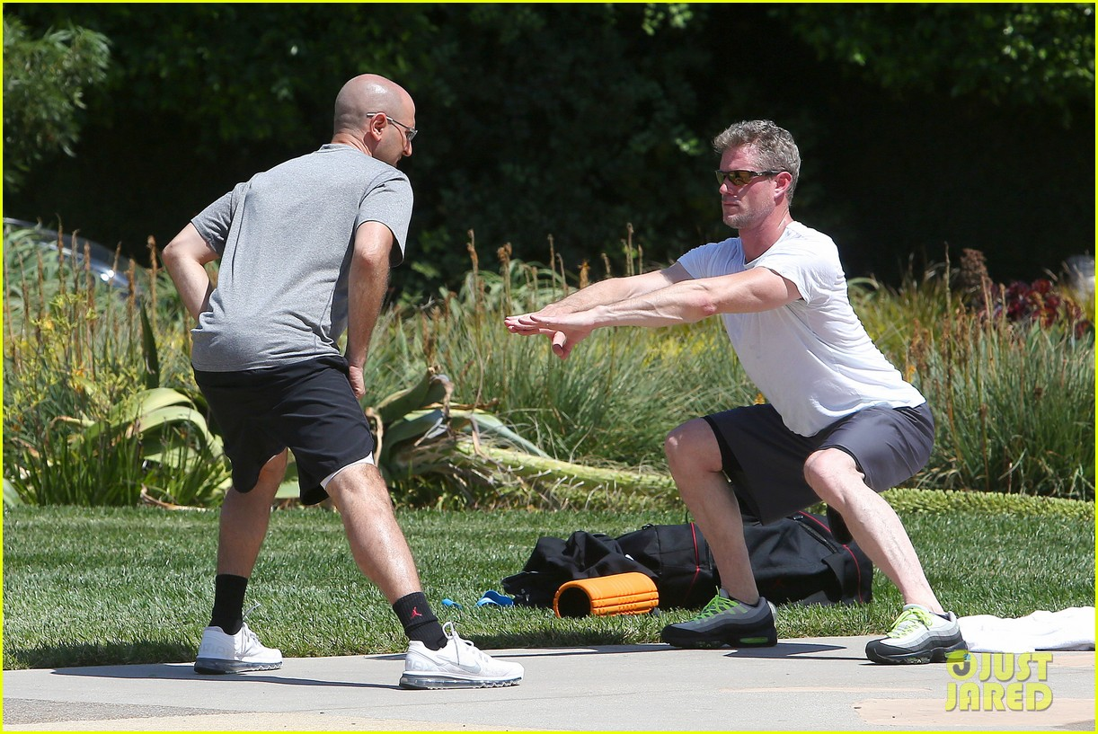 eric dane push ups with daughter billie 21