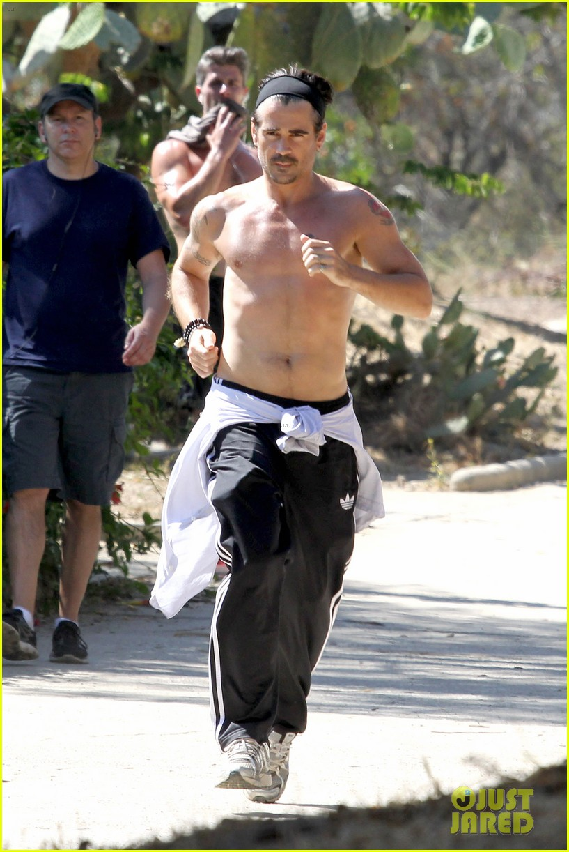 colin farrell shirtless run in hollywood 14