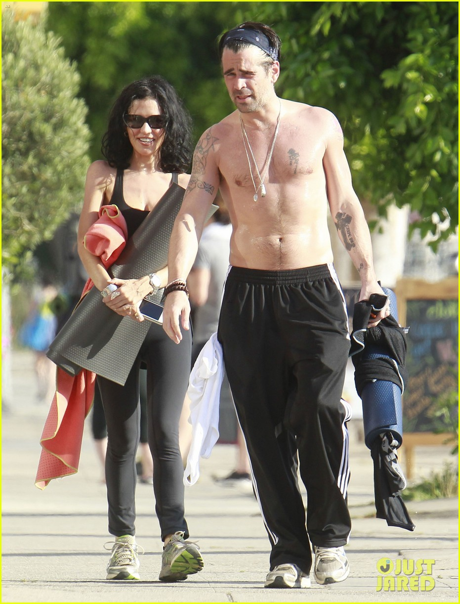 colin farrell shirtless yoga with sister claudine 04