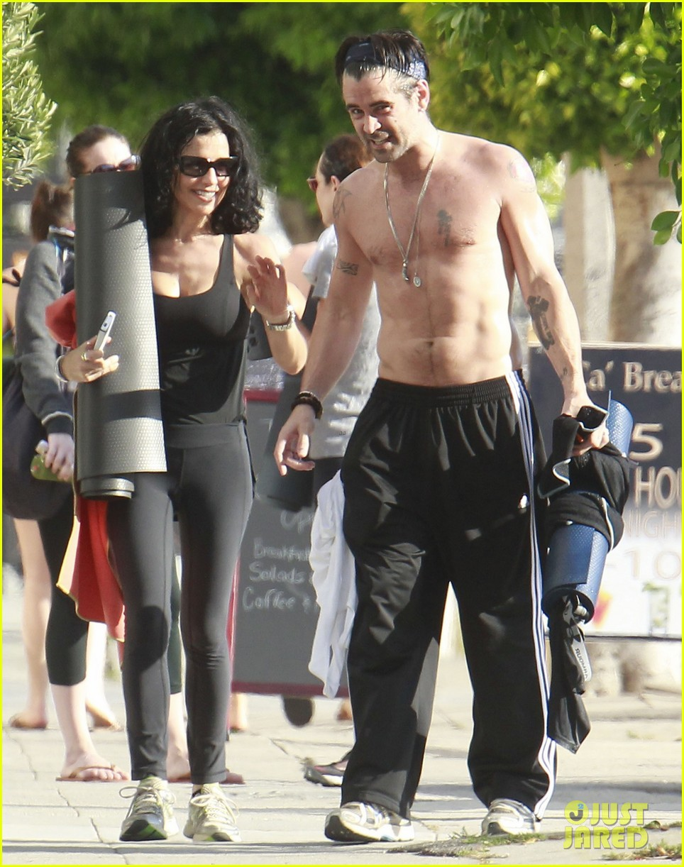 colin farrell shirtless yoga with sister claudine 082884136