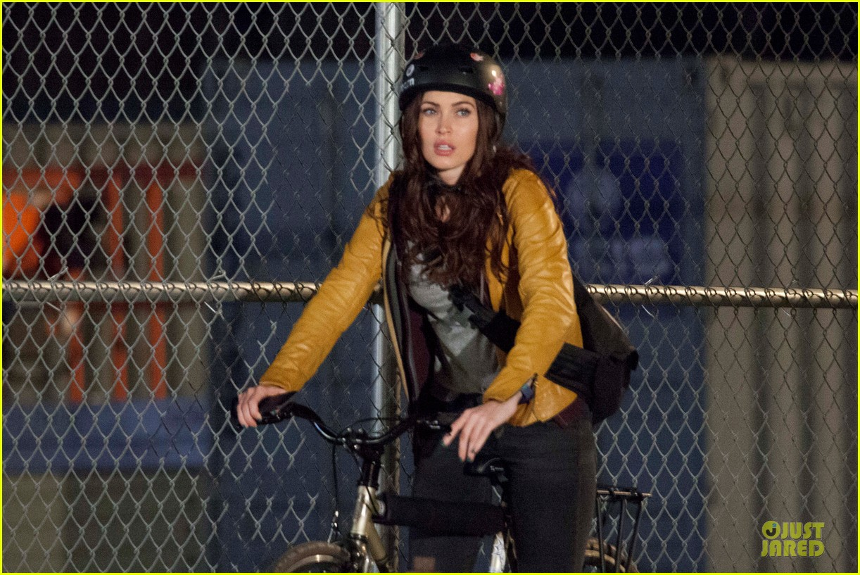 megan fox helmet safety for teenage mutant ninja turtles 07