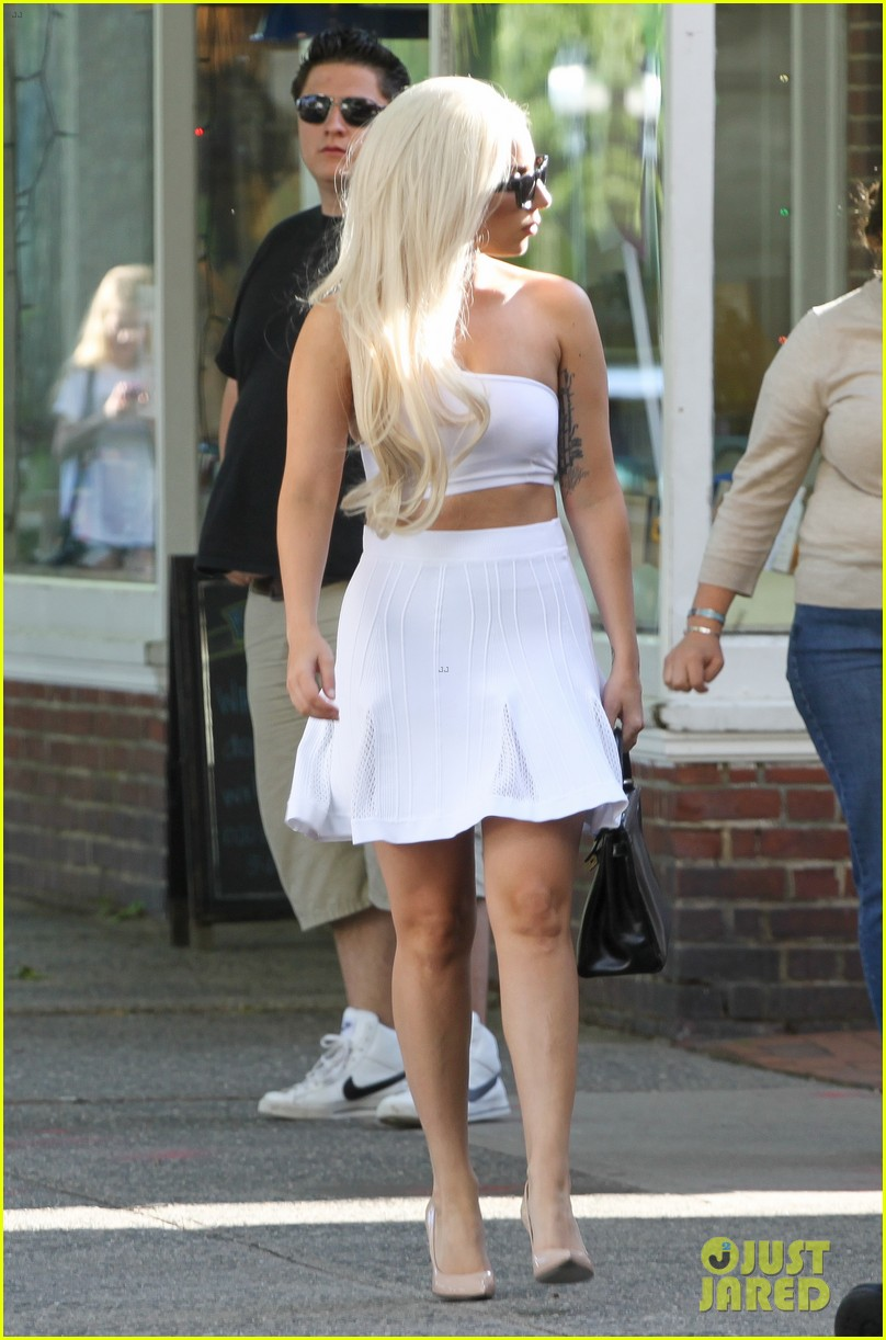 lady gaga east hampton shopping spree 04
