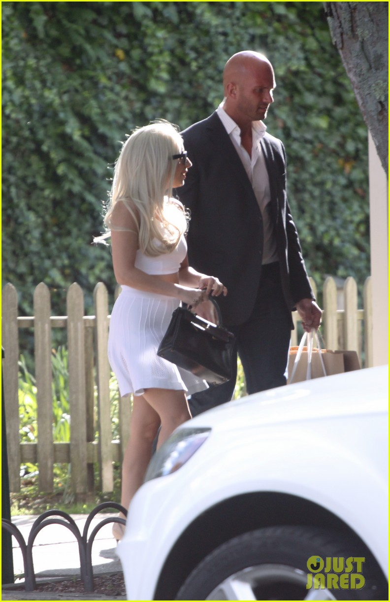 lady gaga east hampton shopping spree 06